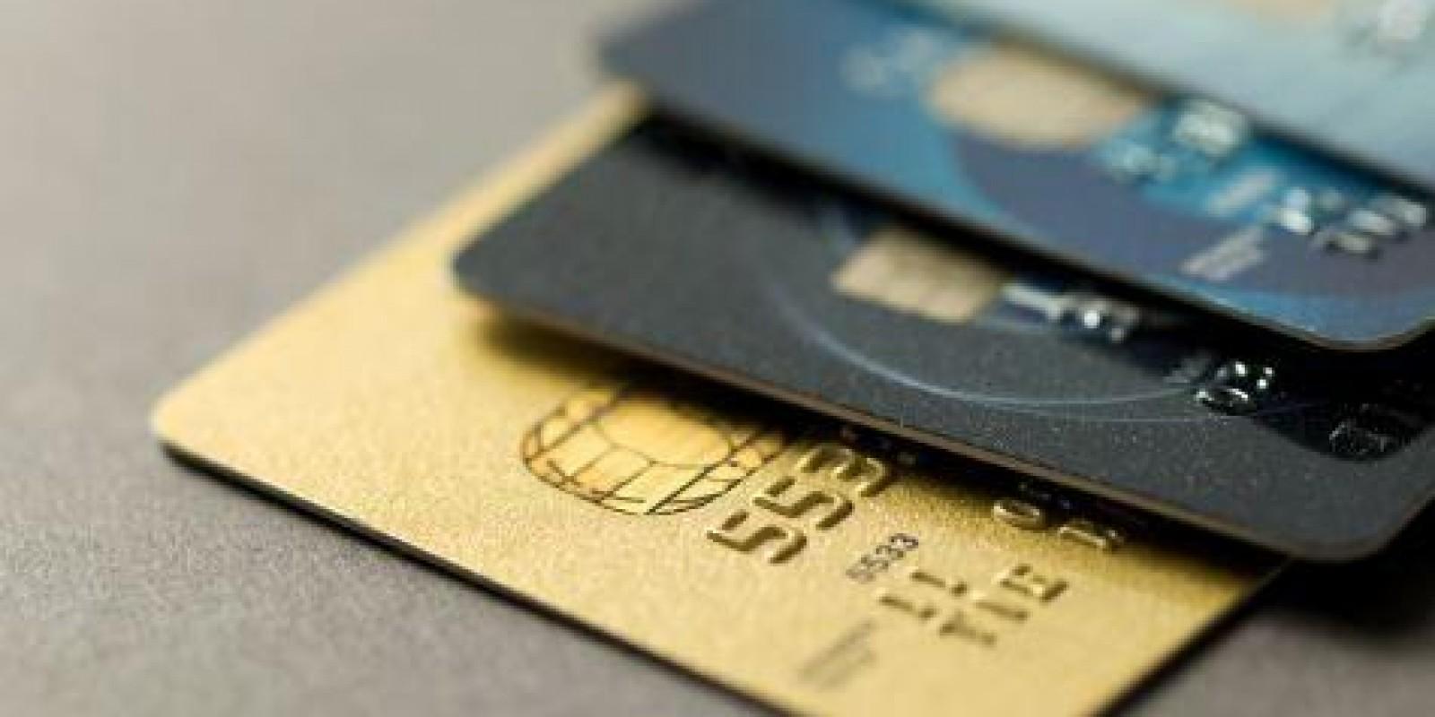STF determina inclusão das taxas de cartões de crédito e débito no cálculo do PIS e da Cofins.